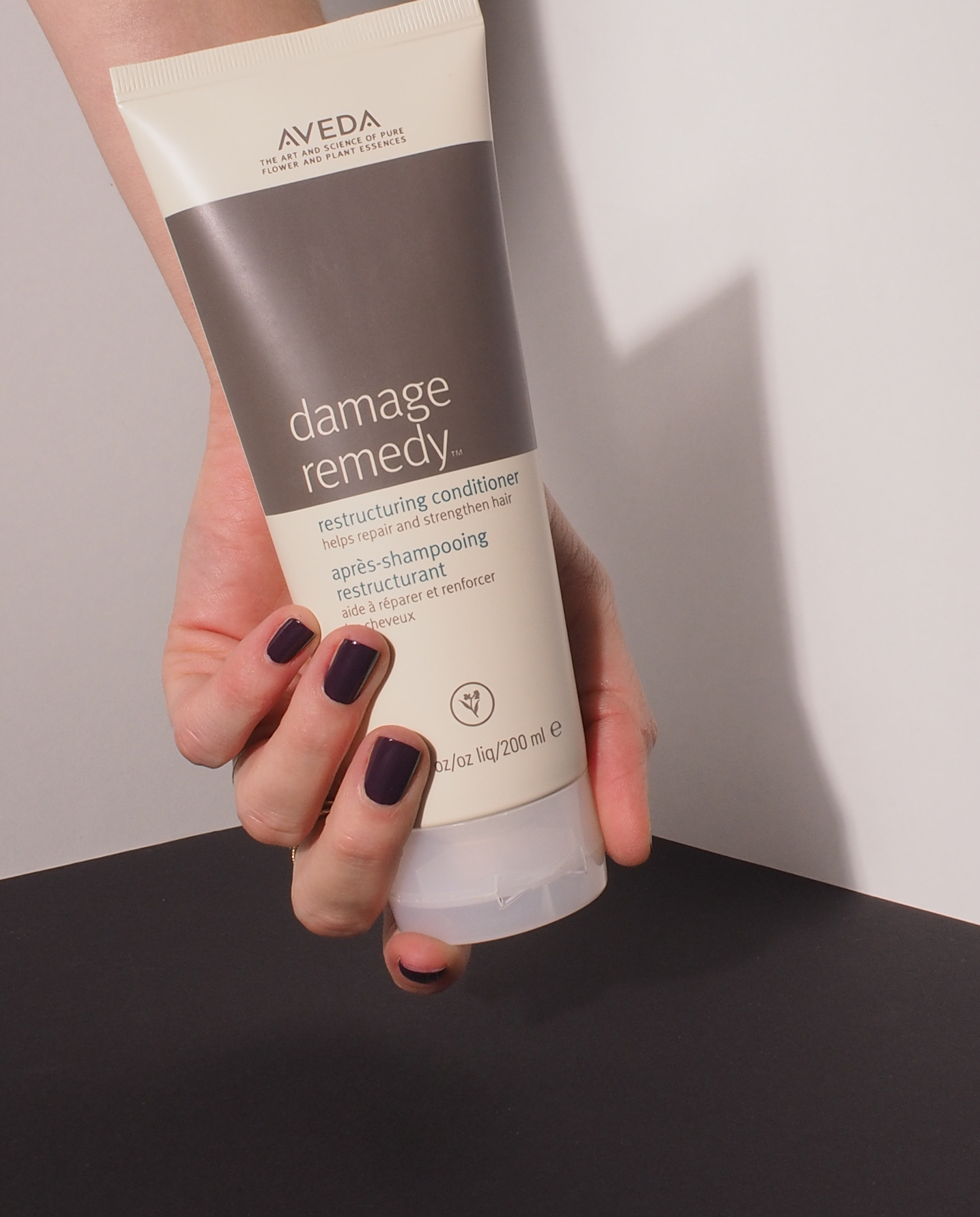 Beautyblog-Beauty-Blog-bare-minds-Elina-Neumann-Aveda-Damage-Remedy-Restructuring-Conditioner