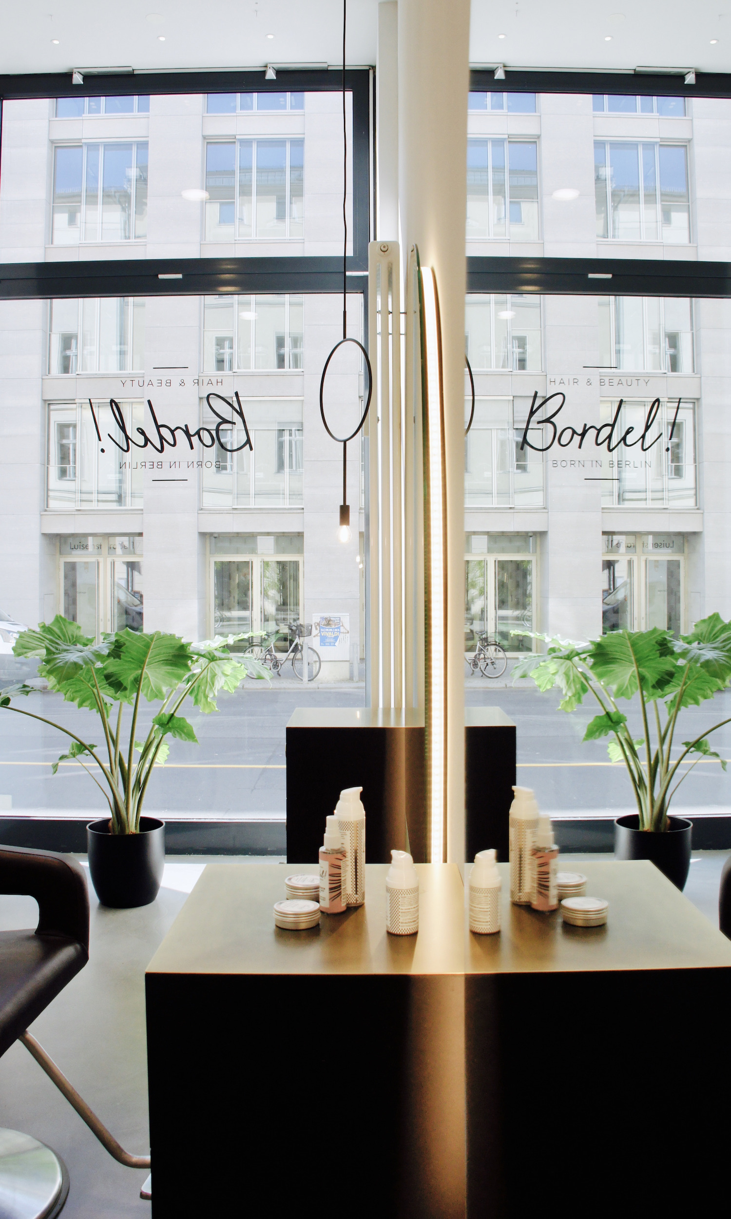 Beautyblog Beautyblogger Elina Neumann Berlin Beauty Guide Friseursalon Bordel!_4
