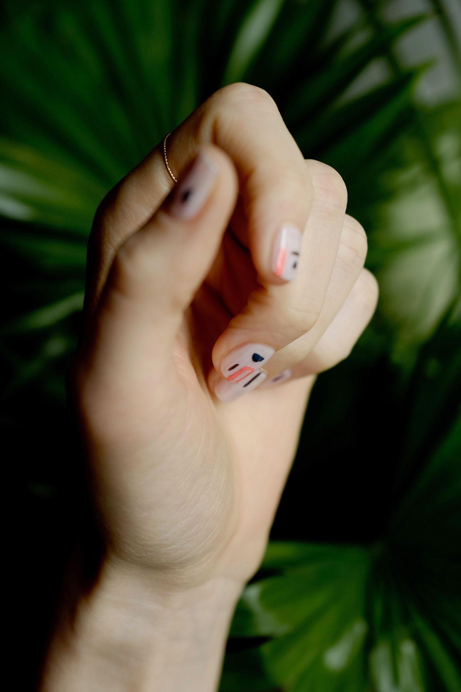 Beautyblog Beautyblogger BARE MINDS Elina Neumann arty Nailart Miro 3