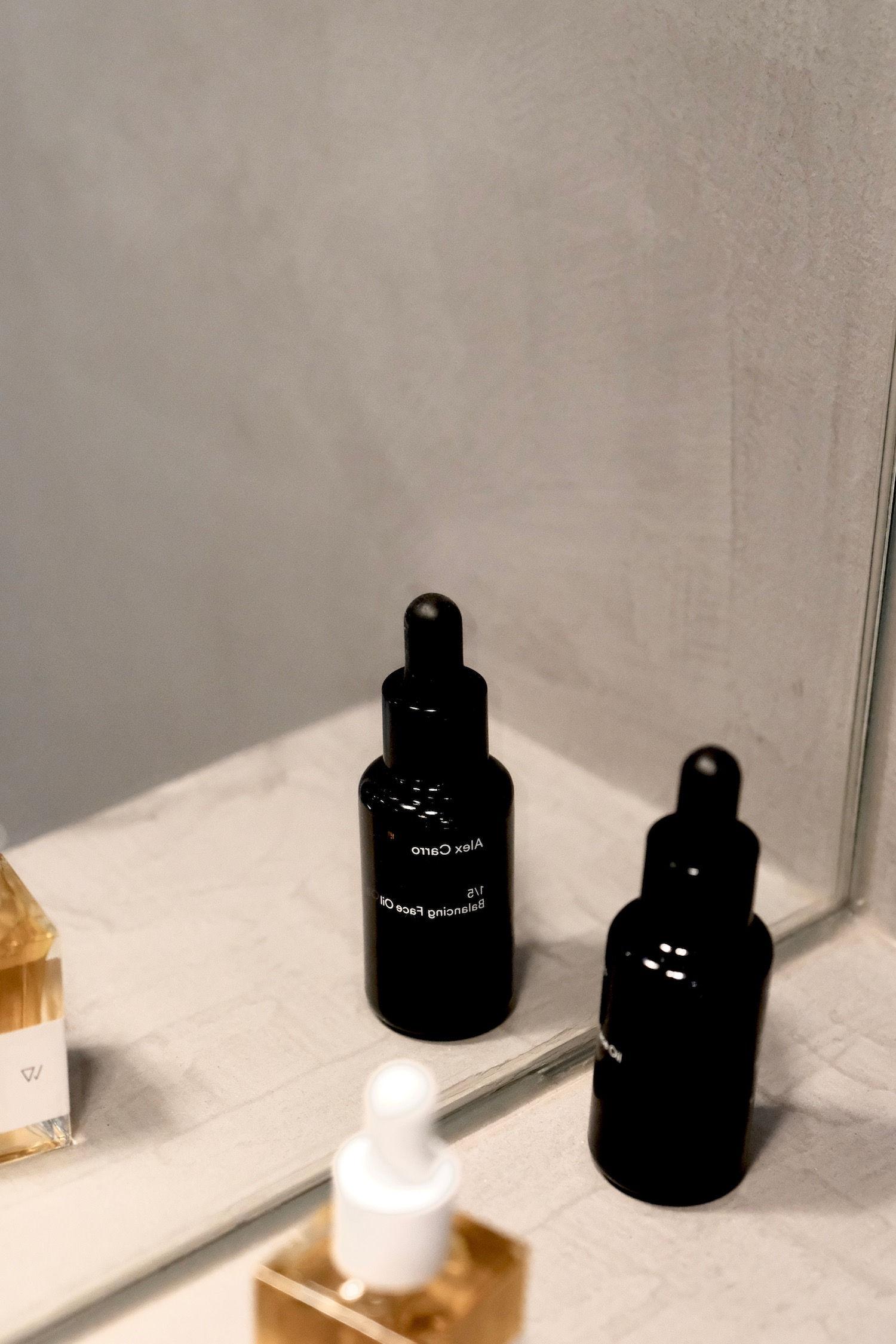 BARE MINDS Elina Neumann Alex Carro Balance Öl für unreine Haut