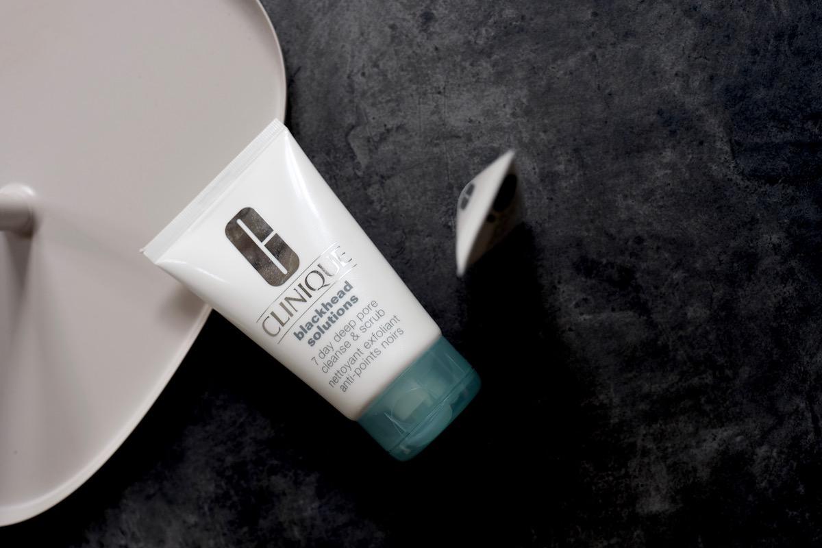 Beautyblog Elina Neumann Clinique Blackhead Solution 7 Day Deep Pore Cleanse & Scrub 1