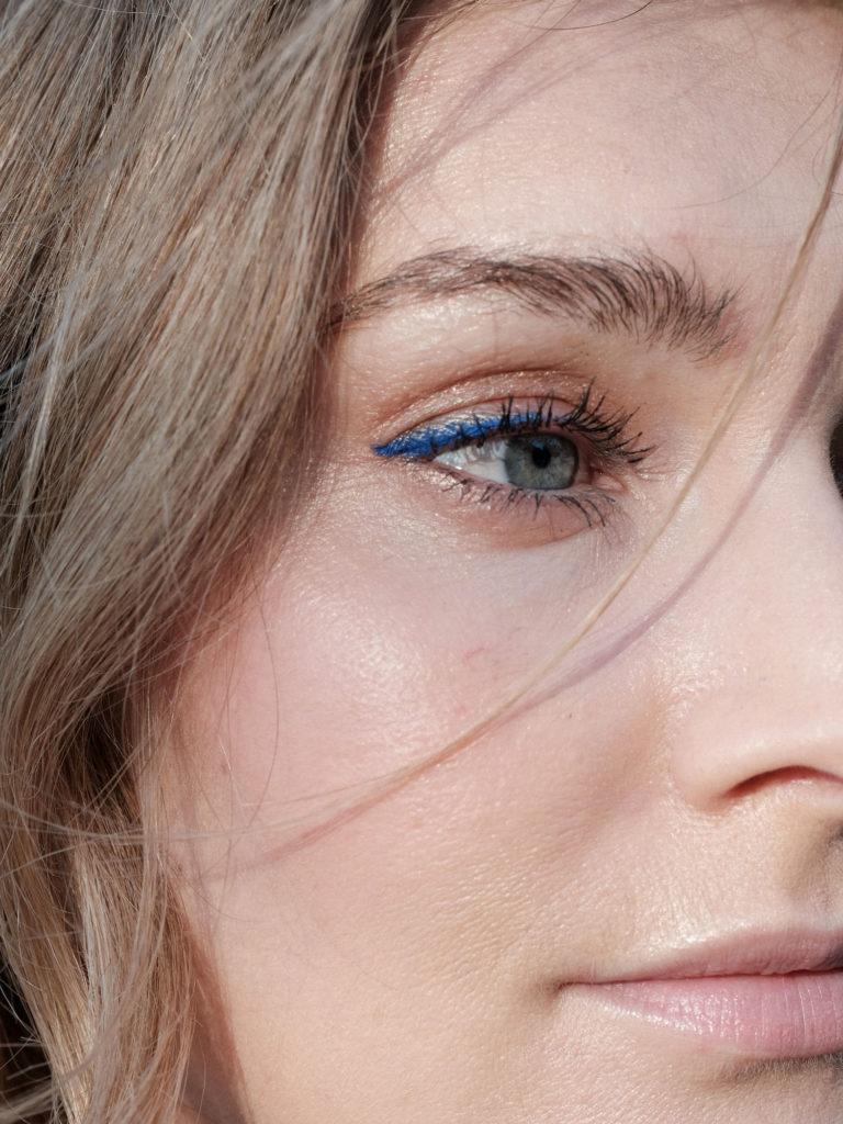 Beautyblog Bare Minds Beauty Tredns 2018 Blauer Lidstrich
