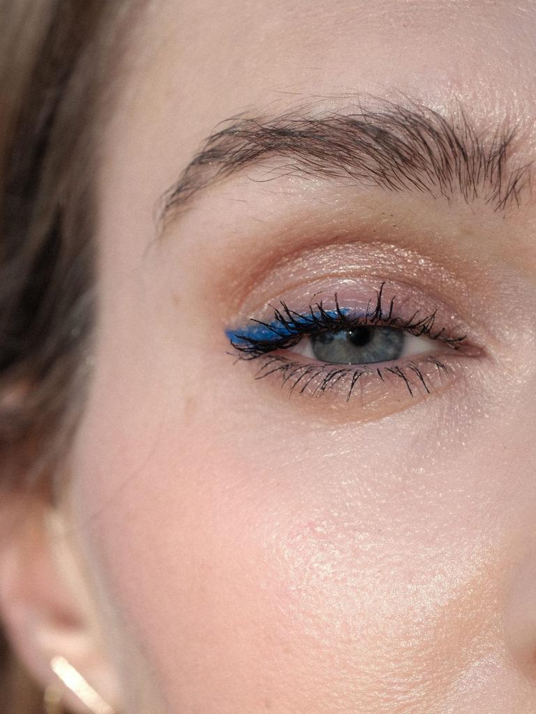 Beautyblog Bare Minds Blauer Lidstrich