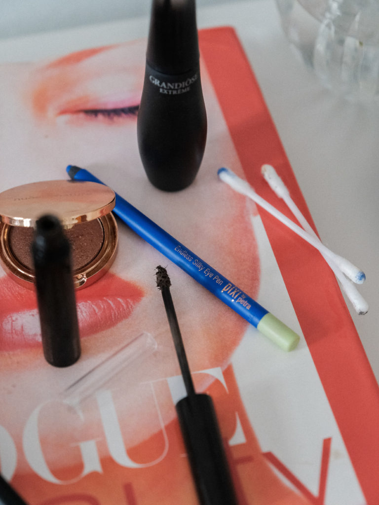 Beautyblog Bare Minds Endless Silky Eye Pen Cobaltblue Pixy by Petra 1