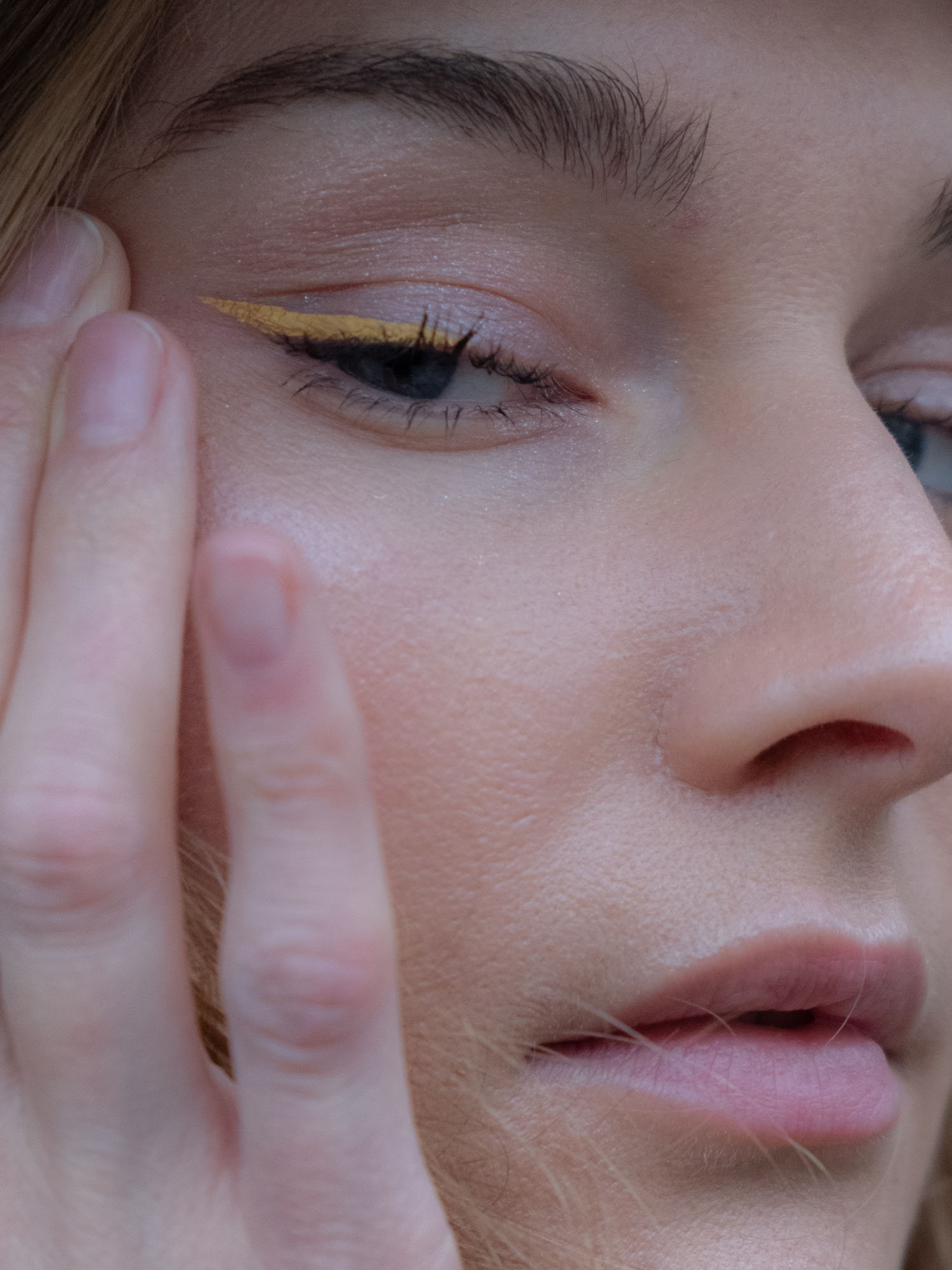 Beautyblog Yellow Wings Make-up Look
