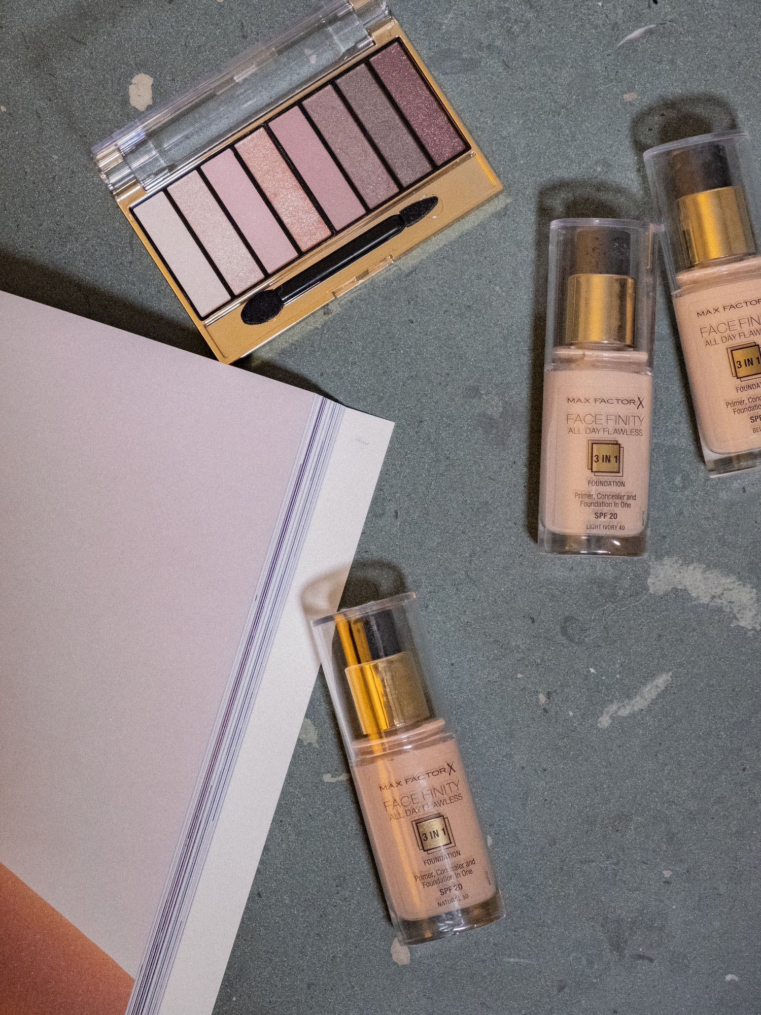 Bare Minds Beauty Adventskalender Max Factor Facefinity All Day Flawless 3 in1 Foundation