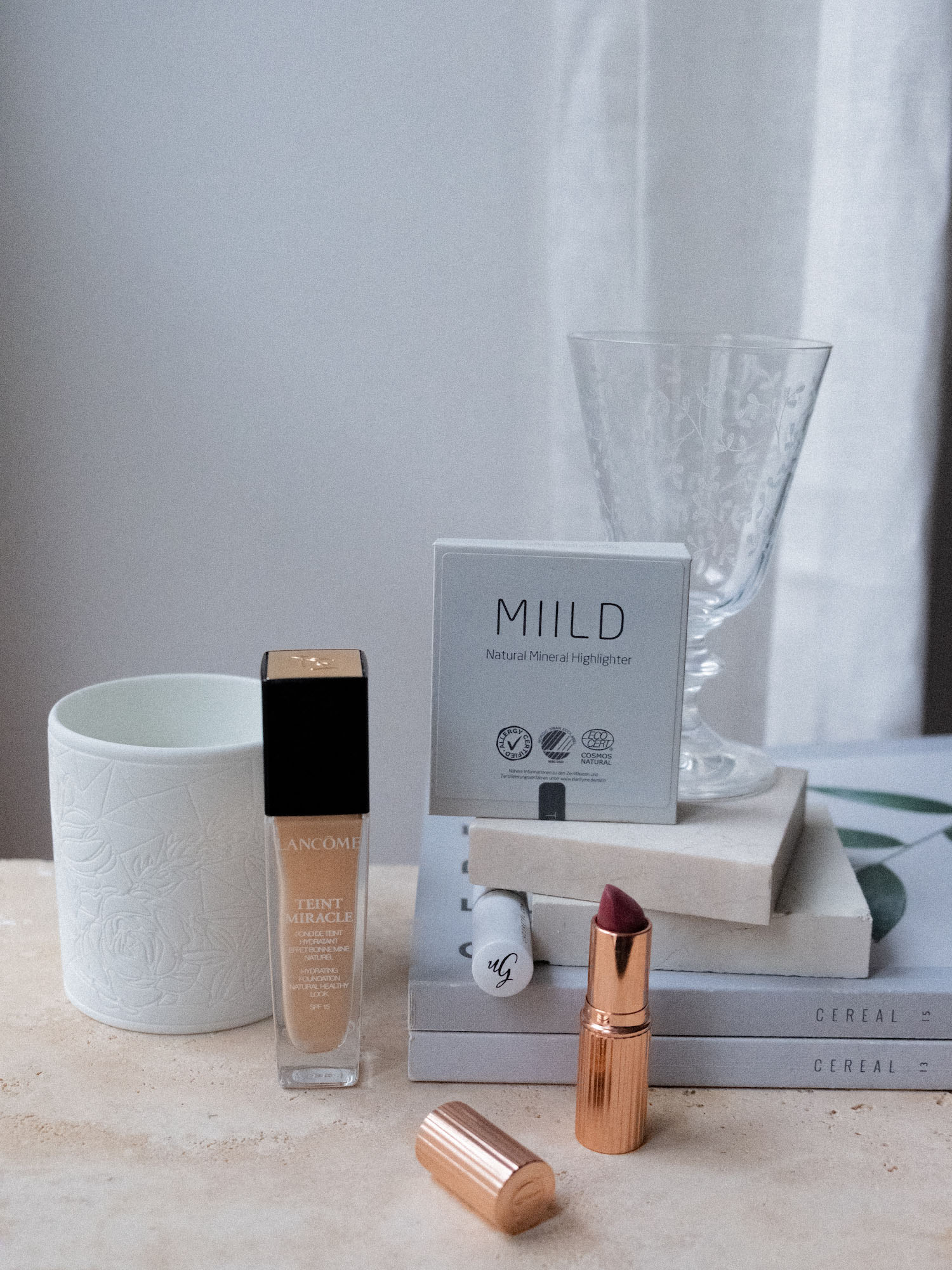 Beautyblog Bare Minds Review Charlotte Tilbury Bond Girl