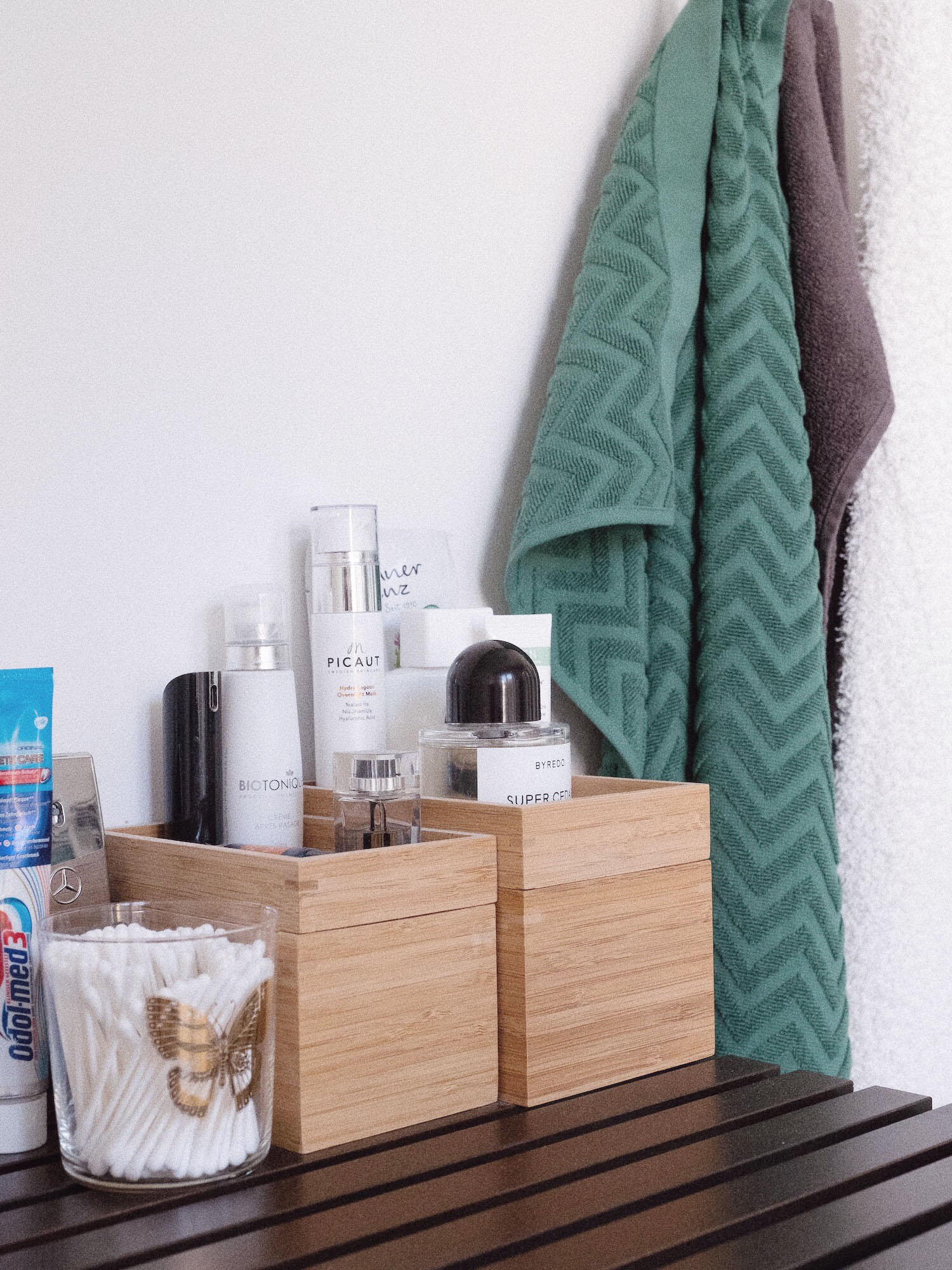 Beautyblog-Bare-Minds-Annies-Topshelf