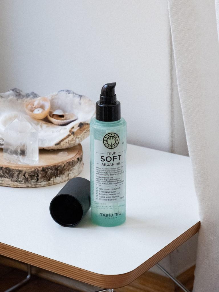 Beautyblog Pflege für natürliche Wellen Maria Nila True Soft Argan Oil
