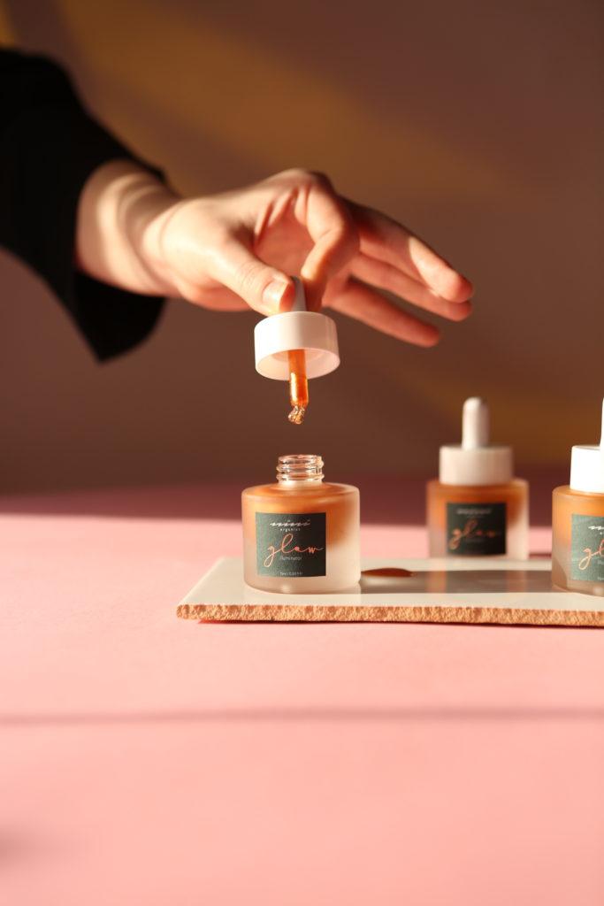 Beautyblog Bare Minds Naturkosmetik Organic Online Shop Genuine Selection NINI Organics Glow Illuminator