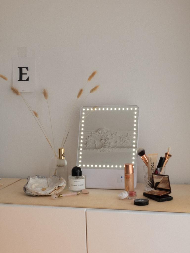 Beautyblog Bare Minds Rikki Skinny Spiegel