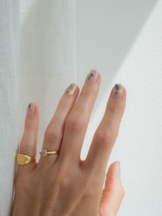 Beautyblog Bare Minds minimalistisches Nail Design 1