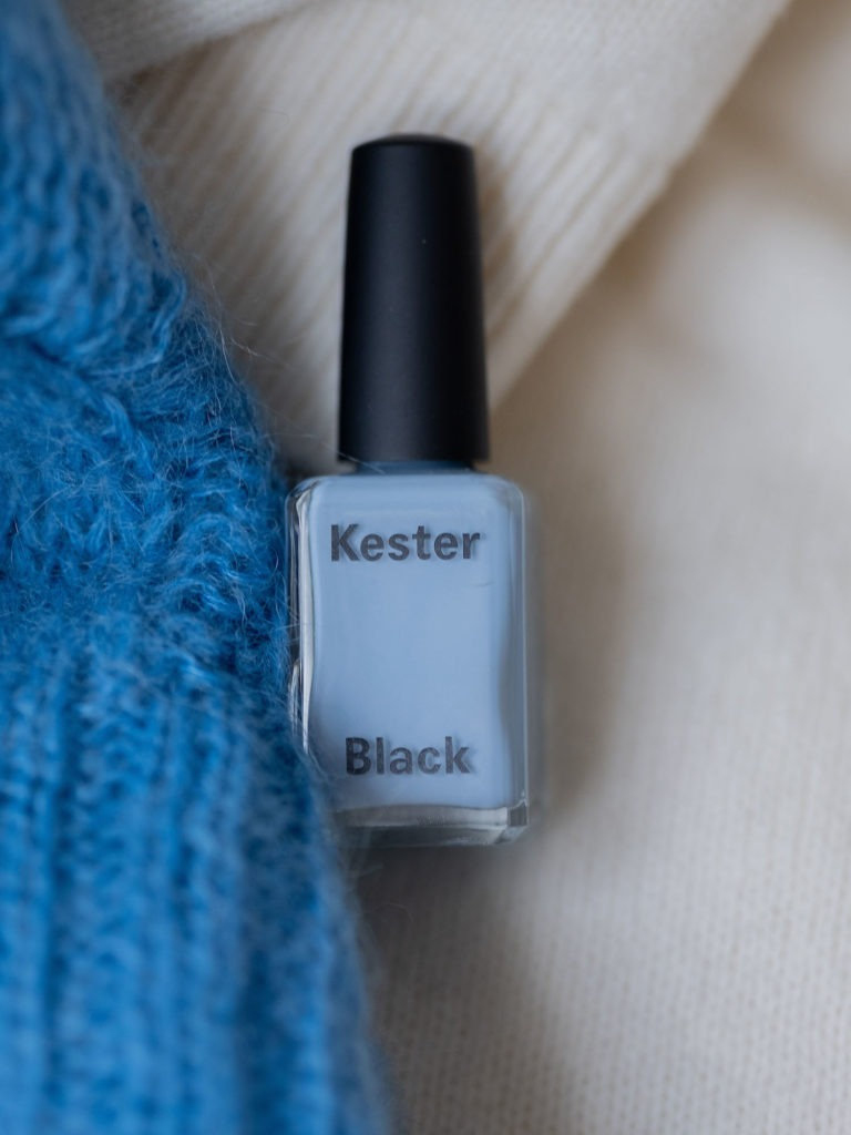 Beautyblog Bare Minds Trendfarbe Blau Nagellacktrends 1
