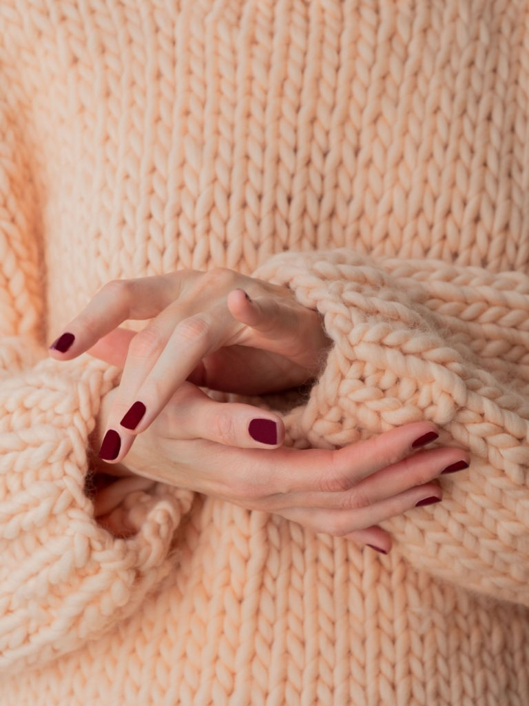 Beautyblog Bareminds Klassisch dunkelrote Nägel 1