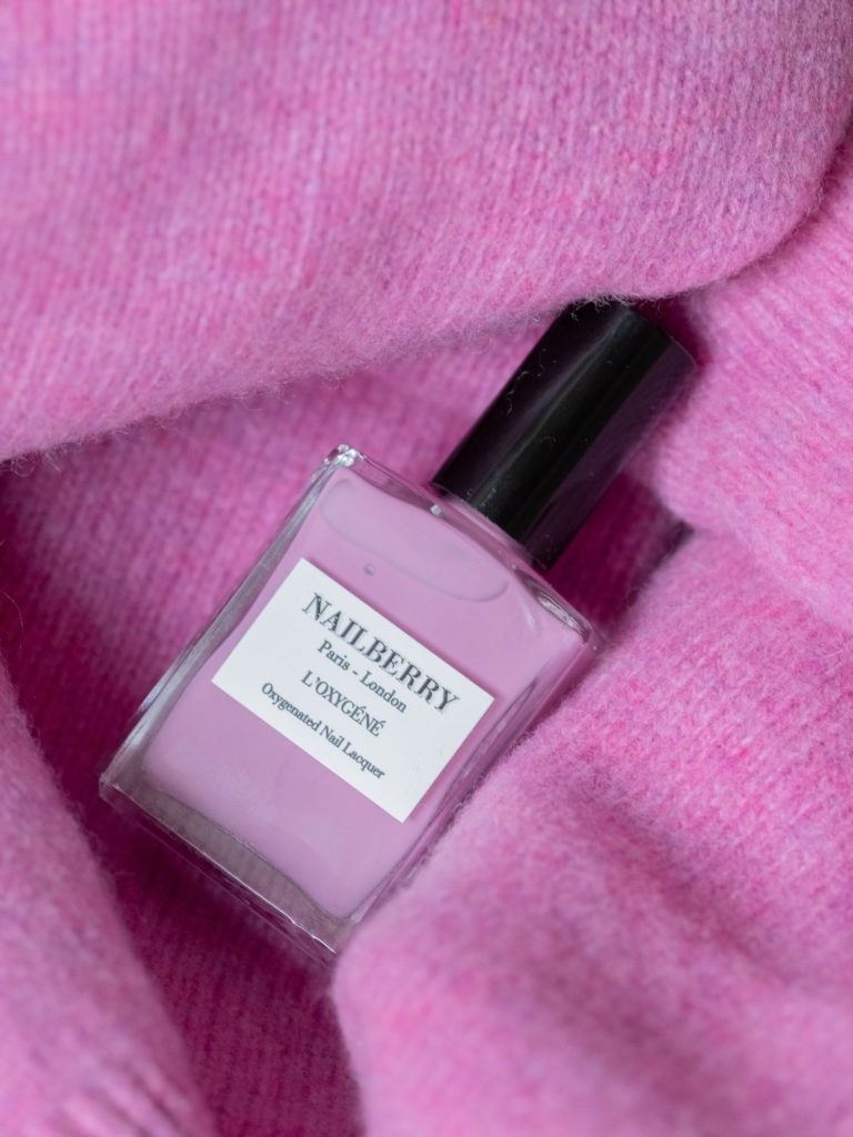 Beautyblog Bareminds Klassisch pinke Nägel
