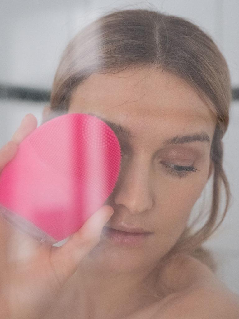 Beautyblog BareMinds.de Gesichtsreinigungsbürste aus Silikon 1