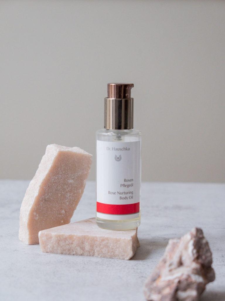 Beautyblog Bare Minds Beauty Favorieren Dr. Hauschka Rosenpflegeöl