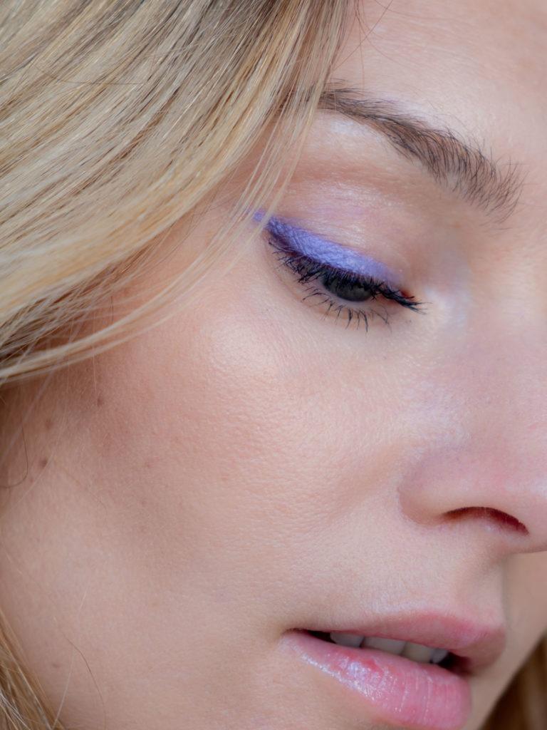 Beautyblog BareMinds.de 70s Make up flieder Wing 4