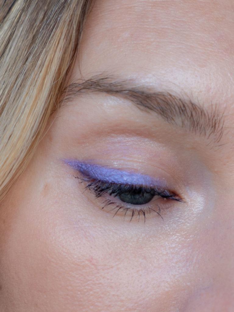 Beautyblog BareMinds.de 70s Make up flieder Wing 6