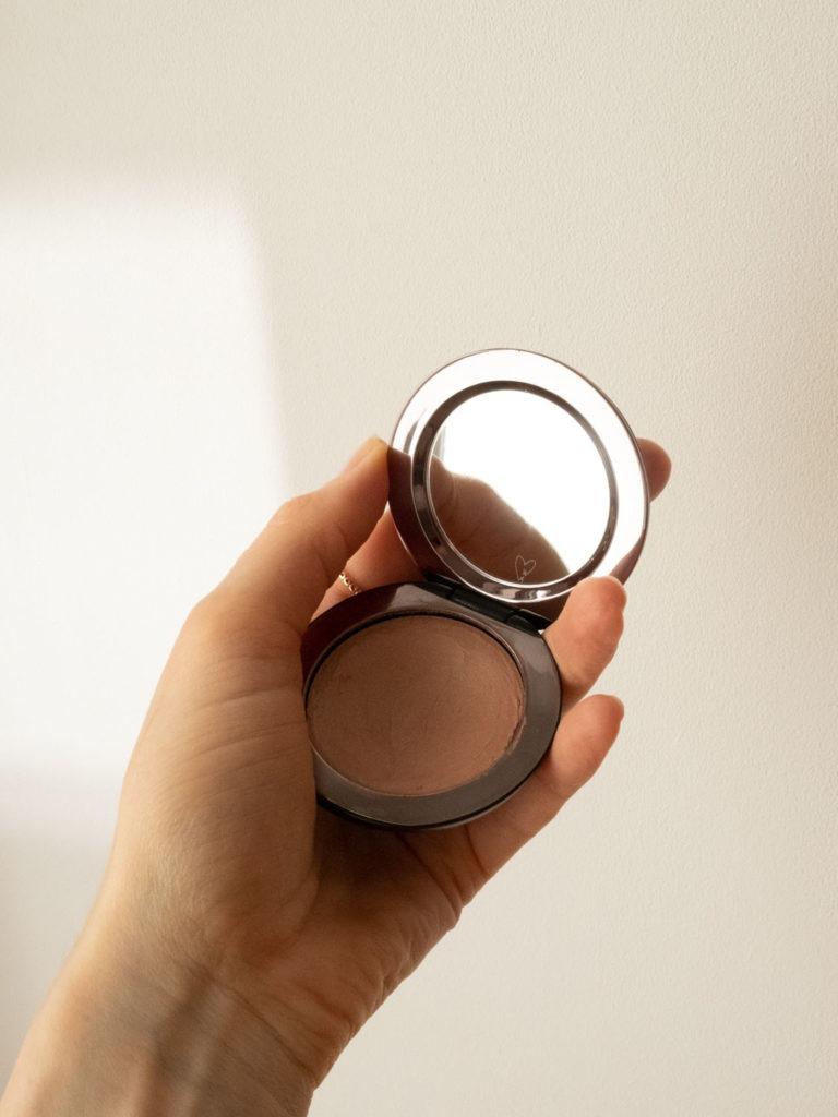 Beautyblog BareMinds.de Wirkstoffkosmetik Favoriten des Monats Westman Atelier Super Loaded Tinted Highlighter 2